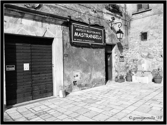 Piazza Duomo Casertavecchia