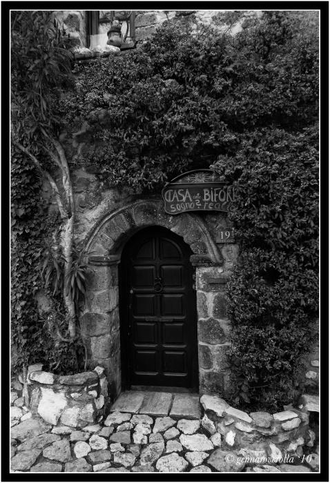 Casa delle bifore - Casertavecchia