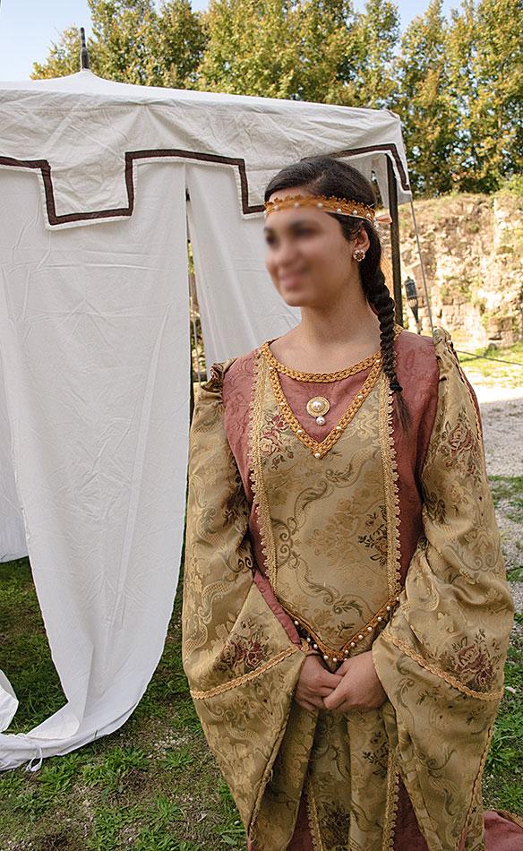 Vestiti dell'Epoca Casertavecchia